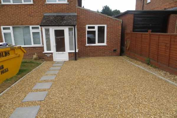 Side extension, new driveway and patio in Tilehurst - Side extension to provide dining area to home